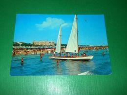 Cartolina Rimini - Spiaggia 1968 - Rimini