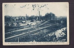CPA 35 - CHATEAUBOURG - Vue Générale Du Bourg - Au Premier Plan , La Ligne Paris-Brest CHEMIN DE FER USINE Cheminée - France