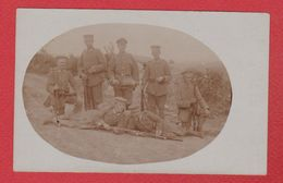 Carte Photo  --  Soldats Allemands --  En Position Devant Douaumont  --  15 Aout 1916 - Douaumont