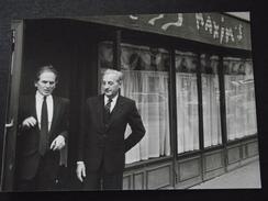 PARIS - RESTAURANT MAXIM'S - Pierre CARDIN, Le NOUVEAU PATRON - Photo Authentique - 15 Avril 1981 - Couturier - A Voir ! - Lieux