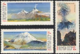 USSR Russia 1965 Volcanos Of Kamchatka Nature Kluchevsky Volcano Geology Geography Places Stamps MNH Michel 3138-3140 - Volcanos