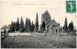50 CAROLLES - L'église Et L'entrée De La Rue Principale    (Recto/Verso) - Otros Municipios