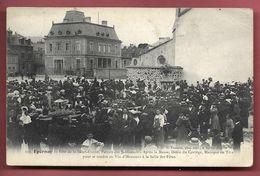 EPERNAY -Fête De La Saint-Fiacre -Après La Messe, Défilé Du Cortège Pour Se Rendre Au Vin D'Honneur à La Salle Des Fêtes - Epernay