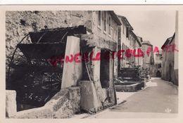 84 - L' ISLE SUR SORGUE- LA RUE DES ROUES   CARTE PHOTO - L'Isle Sur Sorgue