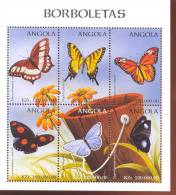 ANGOLA   1018  MINT NEVER HINGED MINI SHEET OF BUTTERFLIES-INSECTS      ( - Vlinders