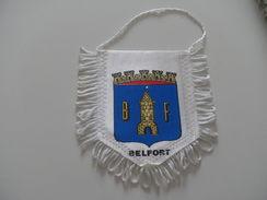 Fanion Football - BELFORT - Habillement, Souvenirs & Autres