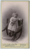 CDV 1900-10 Chamberlin à Paris. Bébé Avec Poupée En Celluloïd. - Antiche (ante 1900)