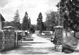 77 - MONTIGNY SUR LOING : Entrée Du Camping Caravaning - CPSM Dentelée Noir Blanc GF - Seine Et Marne - Autres Communes