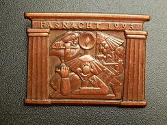Broche -  CARNAVAL DE BALE  Suisse - FASNACHT 1993  - Cuivre - Jetons & Médailles