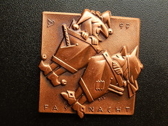 Broche -  CARNAVAL DE BALE  Suisse - FASNACHT 1997  - Cuivre - Jetons & Médailles