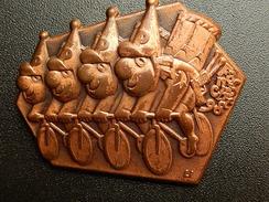 Broche -  CARNAVAL DE BALE  Suisse - FASNACHT 1998  - Cuivre - Jetons & Médailles