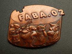 Broche -  CARNAVAL DE BALE  Suisse - FASNACHT 2002  - Cuivre - Jetons & Médailles