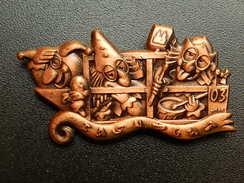 Broche -  CARNAVAL DE BALE  Suisse - FASNACHT 2003  - Cuivre - Jetons & Médailles