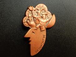 Broche -  CARNAVAL DE BALE  Suisse - FASNACHT 2006  - Cuivre - Jetons & Médailles