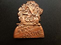 Broche -  CARNAVAL DE BALE  Suisse - FASNACHT 2010  - Cuivre - Jetons & Médailles