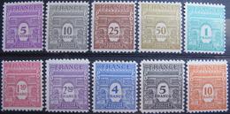 LOT BP/101 - 1944 - ARC DE TRIOMPHE DE L'ETOILE (1ere Serie) - N°620 à 629 - NEUFS** - Cote : 40,00 € - Unused Stamps