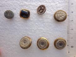 Boutons Anciens (pate De Verre-jais) -graves - Buttons