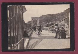 30 - 13 BOUCHE DU RHONE - 240617 - 2 PHOTOS - BEAUCAIRE - Pont Suspendu Marché Place Foire - Autres Communes