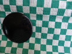 1 Partie D'une Boucle De Cape -matiere A Identifier -bakelite Sous Reserve -diametre 6 Cm - Habits & Linge D'époque