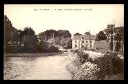 35 - PAIMPONT - LE GRAND CALVAIRE DU BOURG ET LA CHAUSSEE - Paimpont