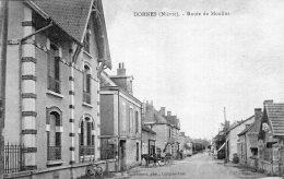 V10430 Cpa 58 Dornes - Route De Moulins - Non Classés