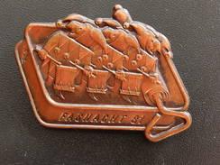 Broche -  CARNAVAL DE BALE  Suisse - FASNACHT 1981  - Cuivre - Jetons & Médailles