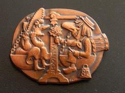 Broche -  CARNAVAL DE BALE  Suisse - FASNACHT 1982  - Cuivre - Jetons & Médailles