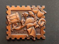 Broche -  CARNAVAL DE BALE  Suisse - FASNACHT 1984  - Cuivre - Jetons & Médailles