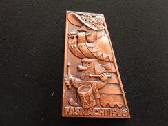 Broche -  CARNAVAL DE BALE  Suisse - FASNACHT 1986 - Cuivre - Jetons & Médailles
