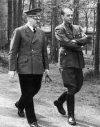 Militaria WW2 - Adolf Hitler Et Albert Speer à La Tanière Du Loup En Prusse Orientale En 1940 - 1939-45