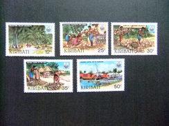KIRIBATI Ex GILBERT 1983 INDUSTRIE Du COPRAH Yvert N 104 / 08 ** MNH - Kiribati (1979-...)