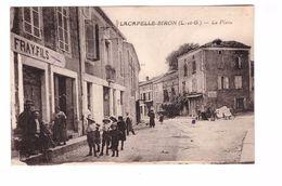 47 Lacapelle Biron La Place Cpa Animée , Voir état Ci Dessous - France