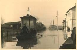 69 - 250617 - PHOTO Novembre 1944 - SAINT FONS - Crue Du Rhône - Rue Du Port Passeur Barque - France