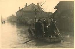 69 - 250617 - PHOTO Novembre 1944 - SAINT FONS - Crue Du Rhône - Rue Du Port Passeur Barque Maison - France