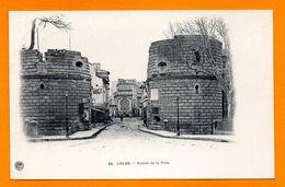 13. Arles. Entrée Nord De La Ville. Porte Cavalerie. Fontaine Amédée Pichot. Café Bourget. - Arles