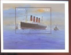 LIBERIA  2099  MINT NEVER HINGED SOUVENIR SHEET OF SHIPS   (  0308 - Boten
