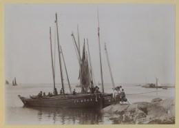 (Bretagne) Concarneau. Barques De Pêche. Immatriculations CC 2501 Et CC 1757. 1890-1900. - Lieux