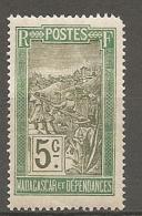 MADAGASCAR - YV N°  97  *  5c  Vert Et Olive  Filanzane  Cote  1,5 Euro  BE R 2 Scans - Nuovi