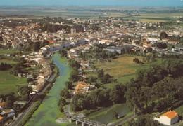 MARANS - Le Canal Maritime Et Vue Générale Vers Marans.   CPM - France