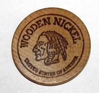Wooden Token - Wooden Nickel - Jeton Bois Monnaie Nécessité - Tête D´Indien - Neidermyer Poultry 1984 - Etats-Unis - Monétaires/De Nécessité