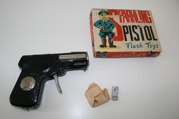 Vintage TOY GUN : FLASH TOYS - L=12cm - 1950s - JAPAN - Keywords : Cap Gun - Cork Gun - Rifle - Revolver - Pistol - Tin - Armes Neutralisées