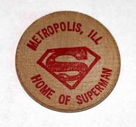 Wooden Nickel Token - Jeton Bois Monnaie Nécessité - Tête D´Indien - Metropolis - Home Of Superman Etats-Unis - Comics - Monedas/ De Necesidad