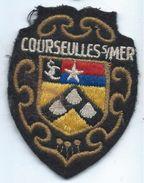 Écusson Tissu à Coudre Ancien/ Armoiries De Ville/Courseulles Sur Mer / Calvados  /années 60-70               ET153 - Escudos En Tela