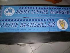 ECHARPE  FOOT FOOTBALL 209B OM OLYMPIQUE DE MARSEILLE FIERS ETRE MARSEILLAIS COUPE 1993 - Football