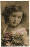 Tres Jolie Petite Fille Gros Plan Couleur - Portraits