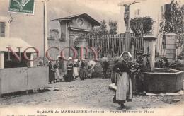 73 - St Saint Jean De Maurienne - Paysannes Sur La Place - Saint Jean De Maurienne