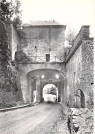 55 - MONTMEDY :  La Porte De La Citadelle - CPSM Dentelée Noir Blanc Grand Format Postée 1961 - Meuse - Montmedy