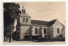 à Identifier ---  Eglise + Monument Aux Morts  --Photo Type  Cpsm  Format   125mm X 85mm - A Identificar