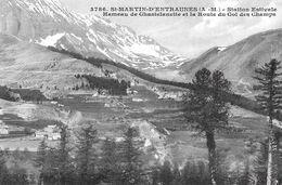 Saint Martin D'Entraunes. Le Hameau De Chastelanette Et La Route Du Col Des Champs. - Francia