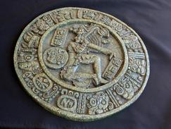 Maya-Steinscheibe Von Chinkultik - Archaeology